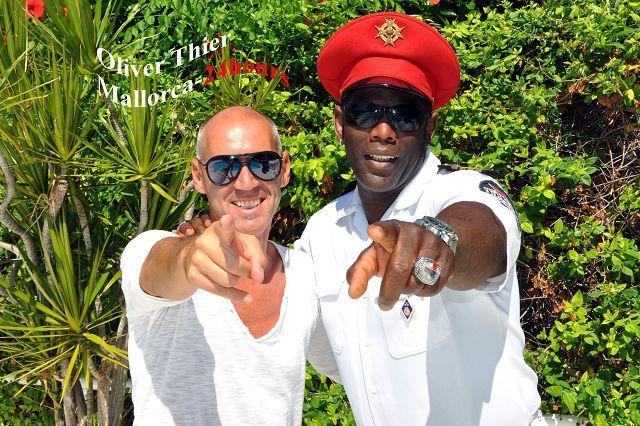 Captain Jack Singer Bruce und Udo Niebergall (Gründer / Produzent / Manager)
